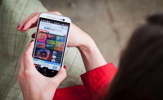 18 Precautions To Reduce Cell Phone Radiation Exposure