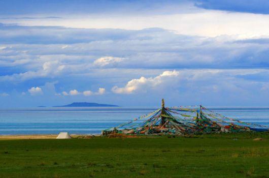 A Peaceful Morning At Qinghai Lake, China