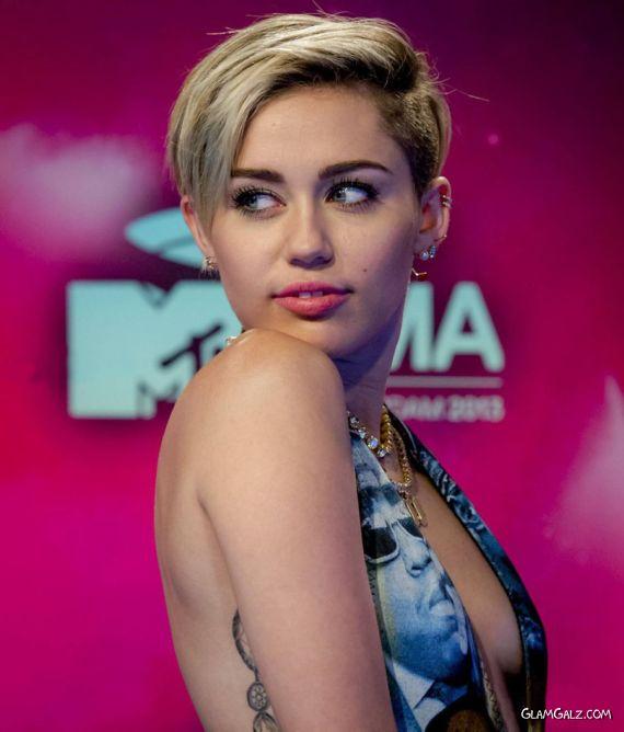 Miley Cyrus At MTV Europe Music Awards 2013
