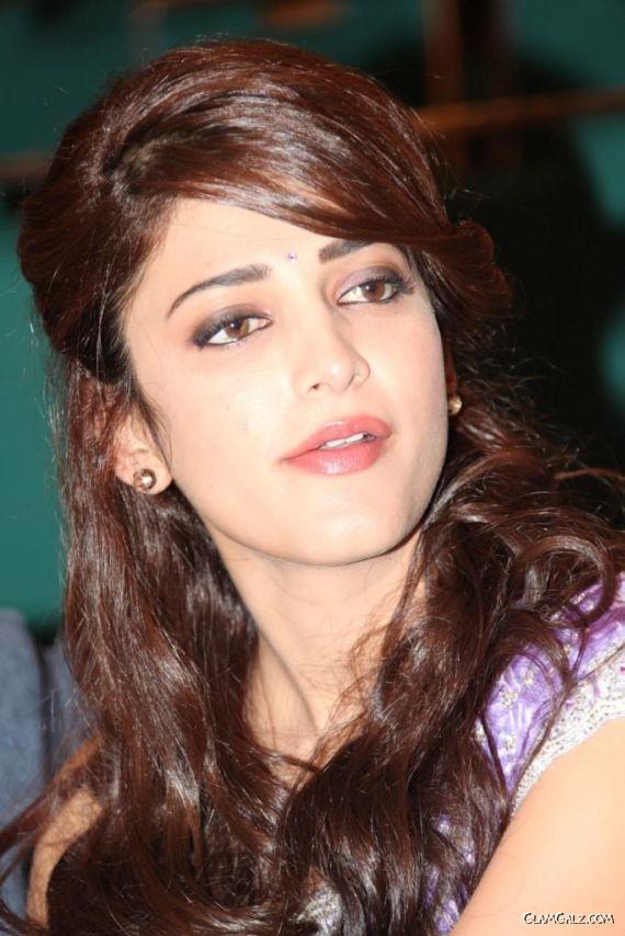 Shruti Haasan At Balupu Movie Logo Launch