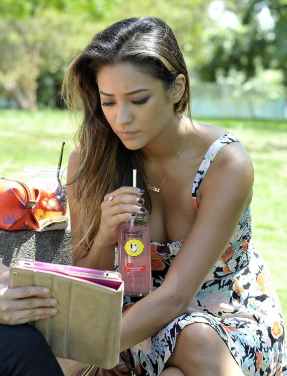 Shay Mitchell Looks Stunning In Floral Dress