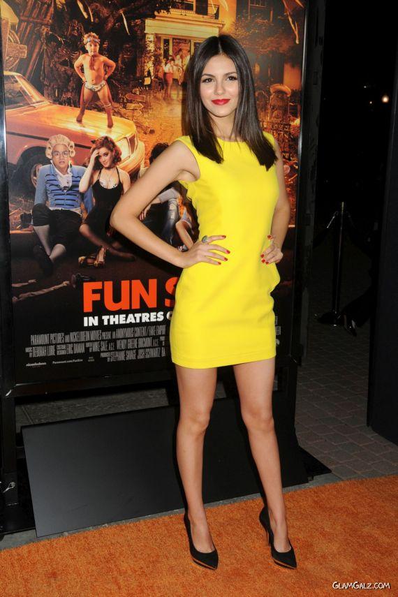Victoria Justice And Rachel Bilson In Fun Size Premiere