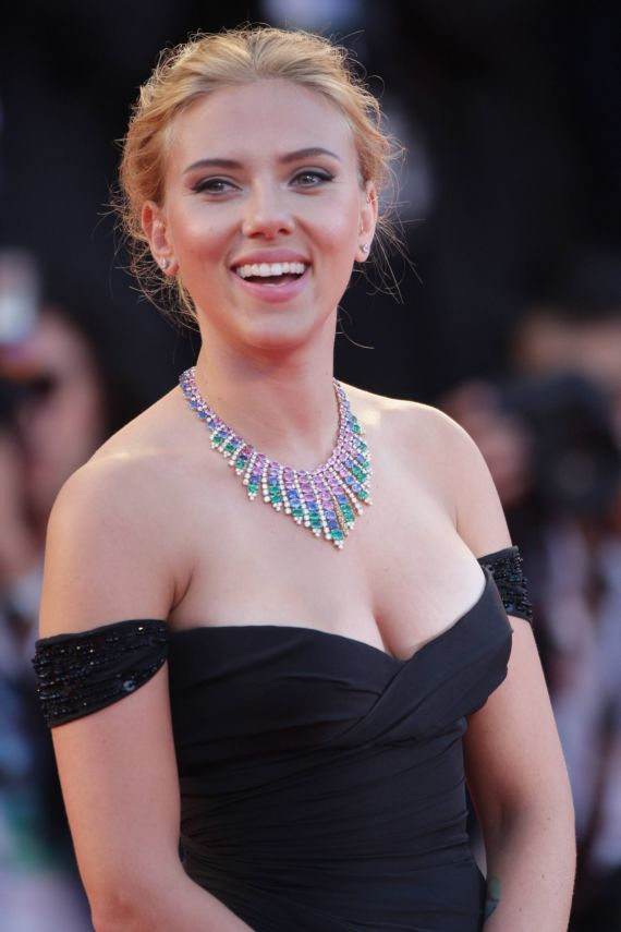 Scarlett Johansson Graces UTS Movie Premiere