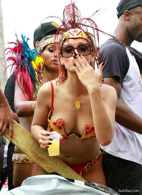 Spicy Rihanna At The Carnival