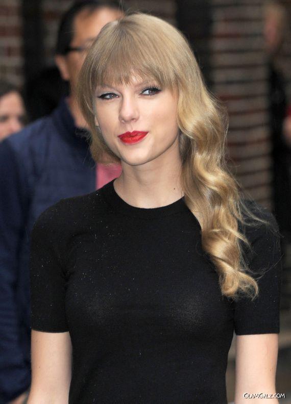 Taylor Swift Outside The Ed Sullivan Theater