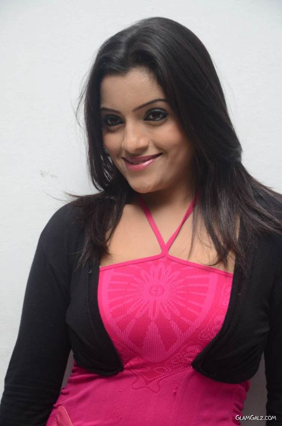 Tollywood Beauty Padmini In Pink