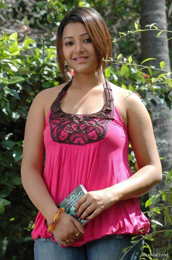 Beautiful Tollywood Actress Shweta Basu Prasad