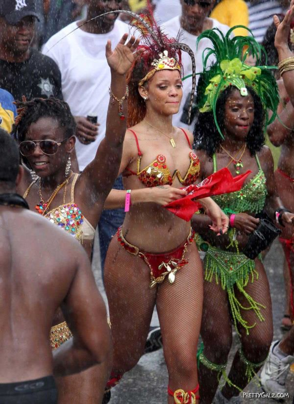 Spicy Rihanna At The Carnival