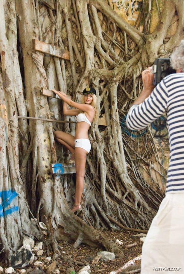 Beautiful Brazilian Model Yasmin Brunet